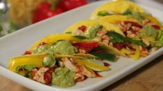 chicken filled tacos Guacamole, Spicy, Tacos, Mexican, Chicken, Ethnic Recipes, Food, Essen, Meals