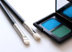 Secrets of the Eye Makeup Mavens: Two Tools to Help You Master Bright Eye Shadow