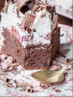 Flourless Fudgy bolo de chocolate coberto de chantilly e COM Cerejas Embriagado, this version do Bolo Floresta Negra Fara Seu paladar cantar! POR Le ...
