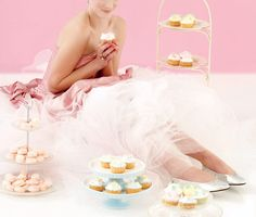 Stap vir stap soetgoed - rooi rose Sweet Treats, Rose, Wedding, Fashion, Valentines Day Weddings, Moda, Sweets, Pink, Fashion Styles