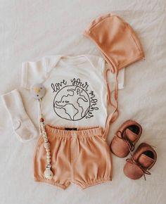 Liebe deine Mutter Erde Strampler - Love your mother earth romper - Baby Wallpaper, Baby Boys, My Baby Girl, Hippie Baby Girl, Baby Girl Gifts, Baby Girl Fashion, Kids Fashion, Baby Kids Clothes, Hippie Baby Clothes