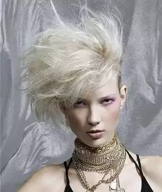 Hair Extensions and Hair Weaves Engagement Inspiration, Photoshoot Inspiration, 1980s Hair, Wedding Engagement, Short Hair Styles, Hair Cuts, Dress Up, Punk, 80s Short Hairstyles