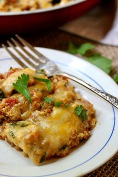 Easy Chicken Enchilada Skillet Dinner recipe a low carb and gluten-free tex-mex meal! Cooks in about Paleo Recipes, Mexican Food Recipes, Low Carb Recipes, Recipes Dinner, Crockpot Recipes, Easy Recipes, Soup Recipes, Breakfast Recipes, Easy Meals