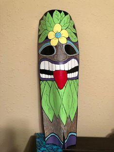 Palm Frond Art, Palm Fronds, Ceramics Projects, Art Projects, Tiki Faces, Coconut Fish, Tiki Head, Tiki Statues, Tiki Mask