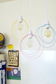 Lámparas hechas de alambre
