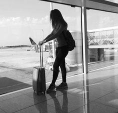 fotos fotos airport photos, travel photos y tra Airplane Photography, Travel Photography, Travel Pictures, Travel Photos, Shotting Photo, Airport Photos, Foto Blog, Photos Tumblr, Foto Pose