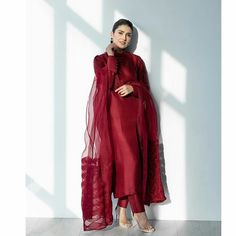 Ayeza Khan in a rich Oxblood Red shirt by by the Style Maestro . Beautiful Pakistani Dresses, Pakistani Dresses Casual, Pakistani Wedding Outfits, Pakistani Dress Design, Indian Dresses, Stylish Dress Designs, Stylish Dresses, Casual Dresses, Fashion Dresses