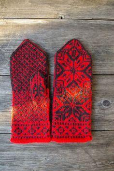 Laine mitaines rouge et noir scandinaves gants  par lyralyra, $37.00