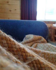 #cozy #fibers  // #therestoringsimplehomestead #mornings #cabinporn #cozyblanket http://ift.tt/1N2QtwI
