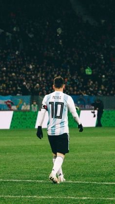 Messi Argentina, Germany Football Team, Football Is Life, Messi Soccer, Messi 10, Fc Barcelona, Neymar, Lionel Messi Wallpapers, Cristano Ronaldo
