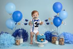 Cookie Monster Inspired Birthday Garland with Milk and Cookies, Cookie Monster Inspired Garland, Sesame Street Birthday Garland - Cookie Monster Milk and Cookies Garland. Photo taken by Swade Studios in KS check if you are in - Boys 1st Birthday Party Ideas, 1st Birthday Photoshoot, 1st Birthday Cake Smash, Baby Boy First Birthday, Boy Cake Smash, Birthday Cale, Birthday Boys, Cake Smash Outfit, Monster 1st Birthdays