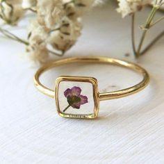 Dainty Jewelry, Cute Jewelry, Jewelry Box, Jewelery, Jewelry Accessories, Jewelry Design, Piercings, Resin Jewelry Making, Resin Jewellery