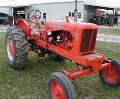 Chats Classic Allis Chalmers tractor restoration and sales. Restored Allis Chalmers and D series tractors. Old John Deere Tractors, Yard Tractors, Tractors For Sale, Antique Tractors, Vintage Tractors, Vintage Farm, Vintage Tools, Allis Chalmers Tractors, Tractor Implements
