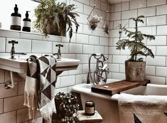 20 Bohemian Bathroom Ideas The bohemian look should not be limited to major rooms like the bedroom and living room. It is still possible to achieve a bohemian bathroom as long as you know… Bohemian Bathroom, Diy Bathroom Decor, Bathroom Styling, Small Bathroom, Bathroom Ideas, Bathroom Green, Bathroom Vanities, Bathroom Designs, Bathroom Wall