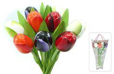 Boekt houten tulpen 9 stuks in de kleuren oranje, wit, paars en rood aangezet met aubergine.