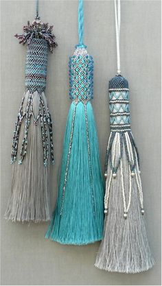 Clare Matthews creates hand woven rugs and tapestries for walls and floors and Passementerie, hand beaded tassels to decorate and accessorize. Diy Tassel, Tassels, Diy Jewelry, Jewelry Making, Jewellery, Passementerie, Schmuck Design, Bead Weaving, Crochet
