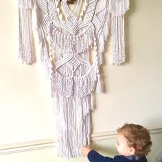 The biggest enthusiast of my new boho wall hanging 😆 This big boy (macrame not my son😉) will be soon available in my Etsy shop.✨