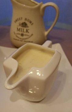 Sos beszamelowy idealny do gotowanych warzyw, brokuły lub kalafior. Filet drobiowy ze szpinakiem zapiekany pod beszamelem lub lasagne przepisów z sosem jestwiele. Biały, bardzo smaczny i kremowy. Sos beszamelowy mleko 2szklanki masło 83 % tł. 1/4 kostki mąka pszenna 2 łyżki biały pieprz, sól, gałka muszkatołowa Przygotowanie: Masło roztopić na małej mocy palnika dodać mąkę, … Bread Dipping Oil, Mom Milk, Tasty, Yummy Food, Salad Dressing, Chutney, Healthy Life, Catering, Spices