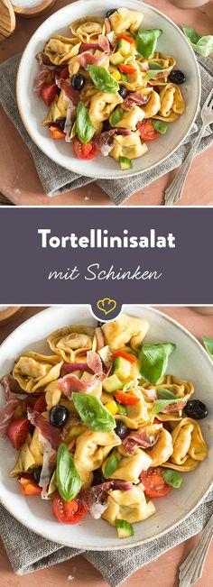 Ein Tortellinisalat mit erfrischendem Orangendressing, nachdem dich deine Lieben um eine weitere Portion anbetteln werden!