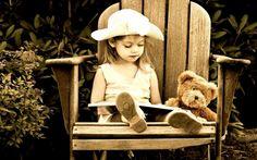 Best Potty Training Books To Help Parents Kids Reading Books, Girl Reading, Reading Quotes, Potty Training Books, Little Ones, Little Girls, Best Potty, Book Wallpaper, Cute Teddy Bears