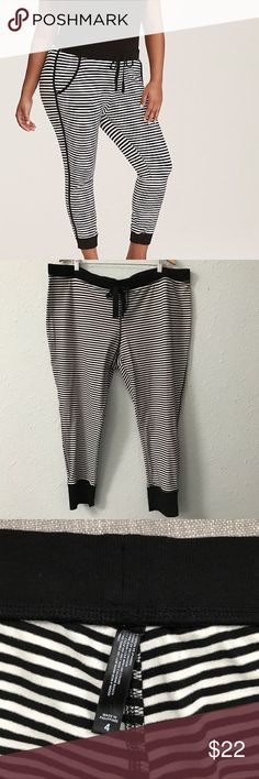 NWOT torrid sleep striped cropped pajama pants Whether you're binging a TV show or catching up on your beauty sleep, these black and white striped knit pajama pants will keep you comfy. The crop leg cools you off, while the adjustable drawstring waist lets you decide how lazy you want to get. These are a torrid size 4, which is the equivalent of a 4X. Bundle with other items from my closet for the best deal! torrid Intimates & Sleepwear Pajamas