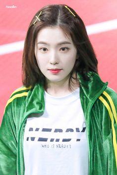 아이린 #Irene  #레드벨벳    #RedVelvet Seulgi, Kpop Girl Groups, Kpop Girls, Korean Girl, Asian Girl, Peek A Boo, Red Velvet Irene, Beautiful Gorgeous, Girl Crushes
