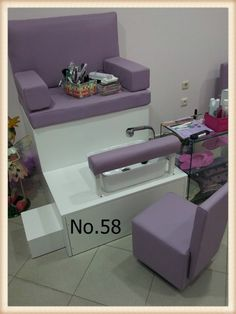 Diy Beauty Room, Beauty Room Salon, Beauty Salon Interior, Salon Interior Design, Nail Salon Design, Nail Salon Decor, Beauty Salon Design, Home Hair Salons, Home Salon