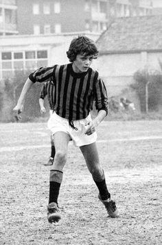 Saben quien es este jovencito? Es Paolo Maldini, todo un crack desde pequeño