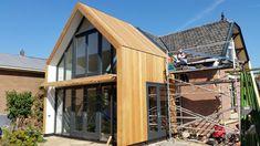 Uitbouw Keuken Hout Wooden House Design, 2 Storey House Design, Bungalow Extensions, House Extensions, Bungalow Conversion, House Extension Design, Building Renovation, Box Houses, House Front