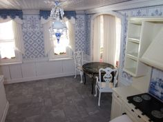 La Grande Maison-The Greenleaf Garfield Dollhouse: Parquet Today