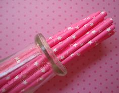 Star Paper Straws (25) - Bright Pink Paper Straws With Printable Flag Pennants via Etsy