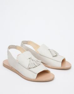 Tassel loafer sandal from Terhi Polkki with open toed styling, padded insole, and tassel loafer details. Pretty Shoes, Beautiful Shoes, Cute Shoes, Me Too Shoes, Leather Sandals, Shoes Sandals, Dream Shoes, Summer Shoes, Fashion Shoes