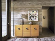 25 Best Interior Design Projects by Marmol Radziner Top Interior Designers, Best Interior Design, Modern Interior, Cream Living Rooms, Mahogany Cabinets, Entry Foyer, Entryway Decor, Wall Decor, Decoration