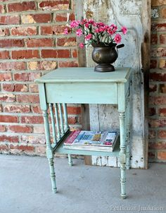 how to antique painted furniture, complete tutorial at Petticoat Junktion on how to antique furniture