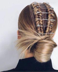 Hairstyles For Women Fall 2019 - Hair - Hair Accessories Hair Inspo, Hair Inspiration, Natural Hair Styles, Short Hair Styles, Trending Hairstyles, Hair Accessories For Women, Hair Pictures, Hairstyles Pictures, Layered Hair