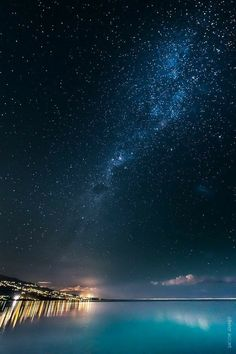 La Saline les Bains (Reunion island) by OlivierAccart on DeviantArt Life Is Beautiful, Beautiful Places, Beautiful Pictures, Ciel Nocturne, My Sun And Stars, Galaxy Wallpaper, Milky Way, Amazing Nature, Stars