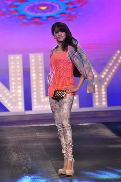 Genelia Dsouza Walk on The Ramp at Allure Fashion Show.