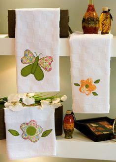 Cute, cute hand towels for a guest bath. Sewing Appliques, Applique Patterns, Applique Designs, Sewing Crafts, Sewing Projects, Projects To Try, Hand Towels, Tea Towels, Applique Towels