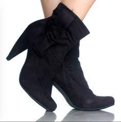 cute booties in black