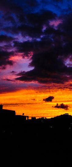 #Caracas Sunset | Photoblog: http://caracasshots.blogspot.com/2012/06/skyline-in-sight-2.html