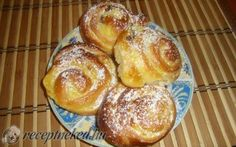 Pudingos csiga recept fotóval Hungarian Recipes, Hungarian Food, Sweet Bread, Pretzel Bites, French Toast, Muffin, Goodies, Yummy Food, Sweets