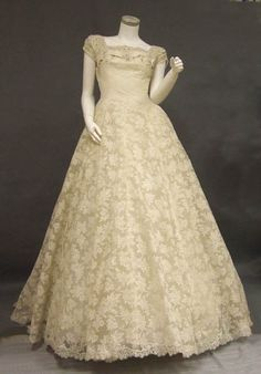 Saks Beaded Lace Early 1950s Wedding Gown w/Train.