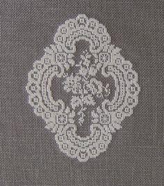 Les médaillons de Rose Bertin (Au Fil de l'Ange)