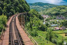 Valea Vinului Dome, o cazare inedită în Maramureș - Cherry on The World Romania, Glamping, Railroad Tracks, Cherry, World, Travel, Viajes, Go Glamping, Traveling