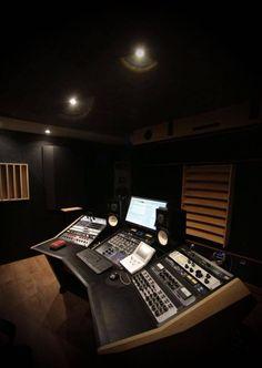 Modson studio furniture for recording and mastering studio Recording Studio Furniture, Home Recording Studio Setup, Home Studio Setup, Dream Studio, Audio Studio, Music Studio Room, Home Music, Small House Design, Photos