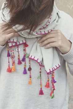 Diy Scarf, Lace Scarf, Scarf Tassels, Saree Tassels Designs, Scarf Necklace, Handmade Scarves, Embroidered Clothes, Embroidery Fashion, Scarf Design
