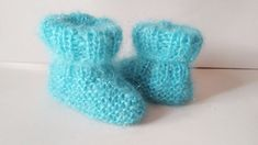 Baby Booties Knitting Pattern, Knitted Booties, Knitting Terms, Knitting Patterns, Baby Boy Or Girl, Button Flowers, Photo Tutorial, Diy Gifts, Crafts For Kids