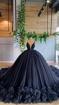 Charro Quinceanera Dresses, Pretty Quinceanera Dresses, Pretty Prom Dresses, Black Wedding Dresses, Ball Gowns Prom, Ball Gown Dresses, 15 Dresses, Black Ball Dresses, Long Prom Gowns