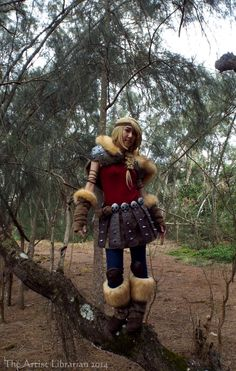 The Artist Librarian Astrid Hofferson cosplay Astrid Cosplay, Httyd 2, 50s Hairstyles, Shoulder Armor, Trunk Or Treat, Dragon 2, Dress Up Costumes, Fur Boots, How To Train Your Dragon
