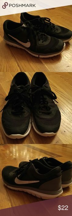 Nike Flex Run 2015 Black White Mens Shoes 7.5 Nike Flex Run 2015 Black White Mens Shoes size 7.5. Preowned but still in great shape with lots of miles to go. Nike Shoes Sneakers